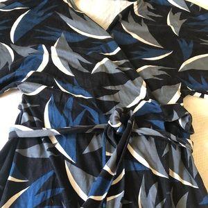 Diane Von Furstenberg Dresses - DVF Diane von Furstenberg kimono wrap dress